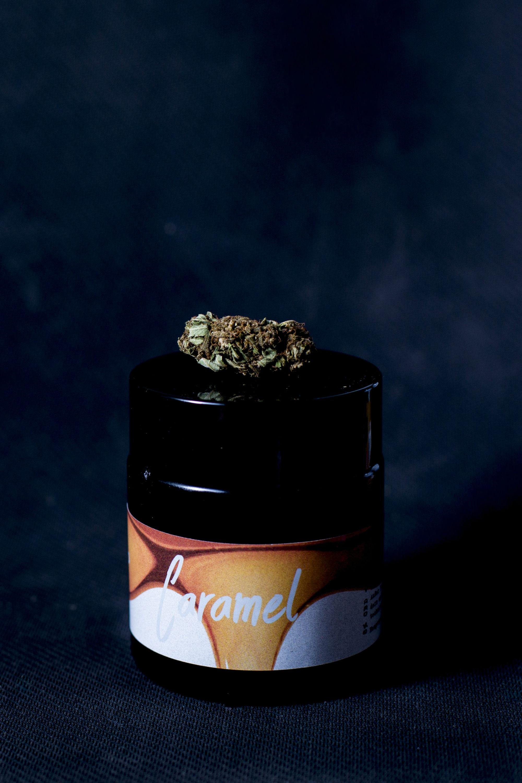 CBD Blüten Caramel 8% CBD + 18% CBDA caramel1